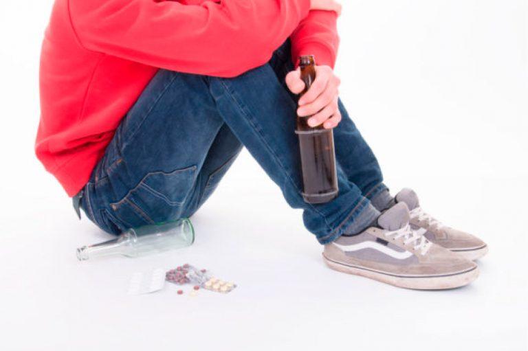 Adolescentes, alcoholismo y tratamiento del alcohol