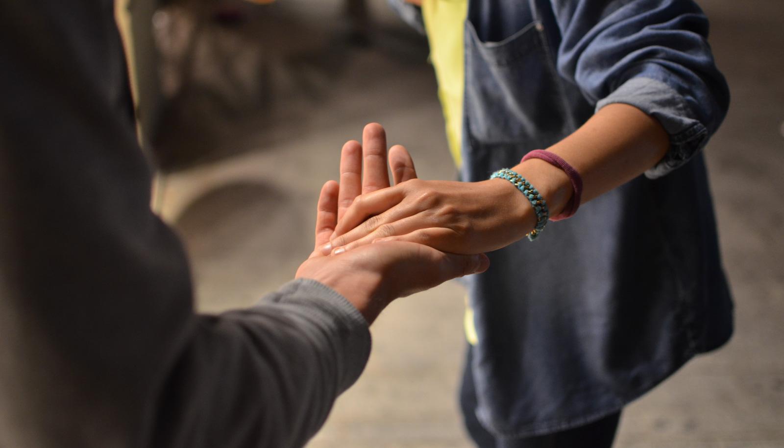 Cómo ayudar a alguien con trastorno adictivo