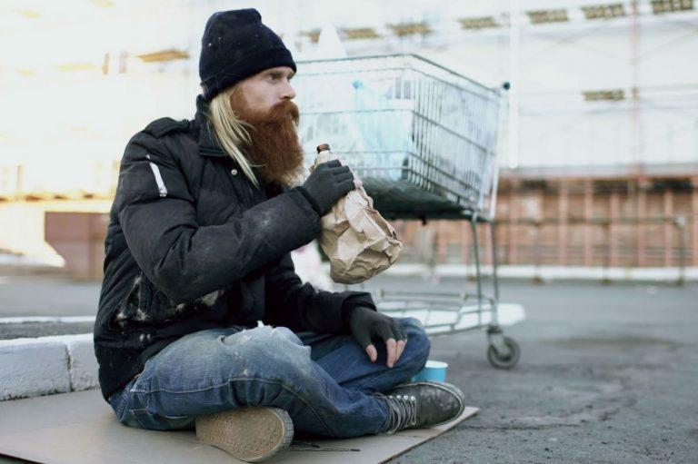 El alcoholismo y las personas sin hogar