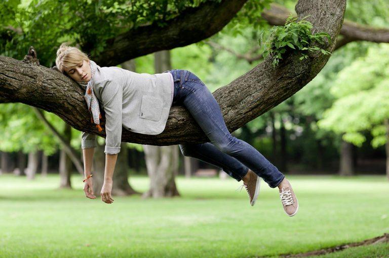 La astenia primaveral afecta a un 10% de las personas, siendo más común en las mujeres
