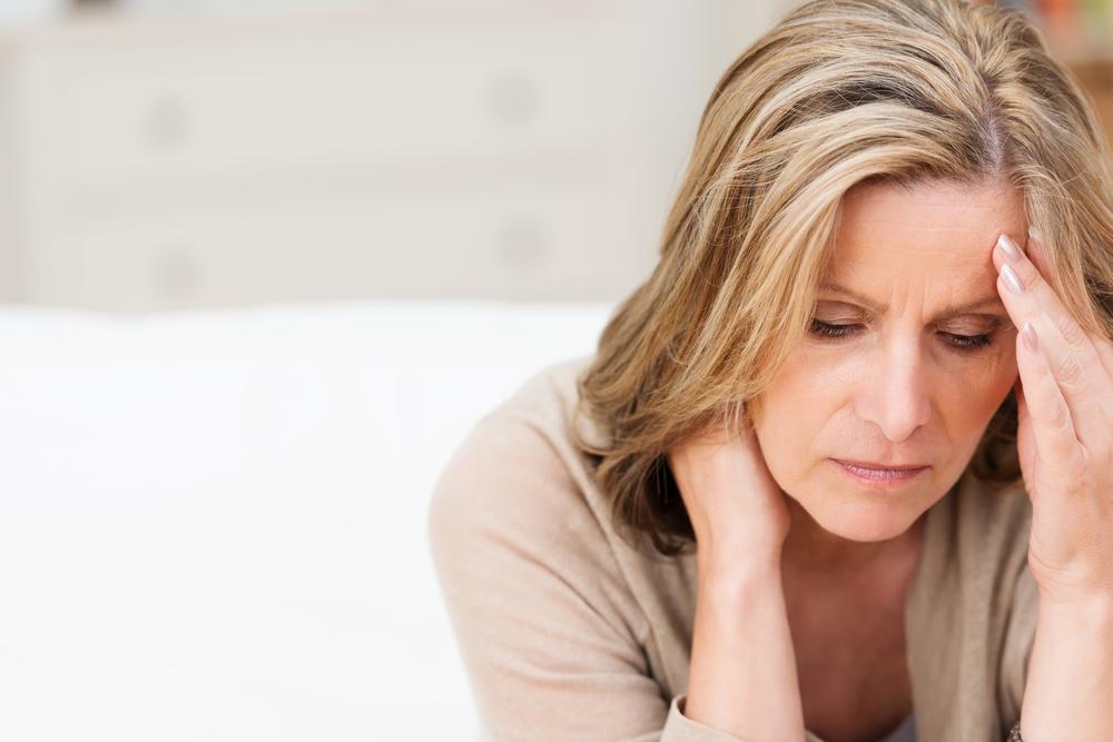 Lamenopausia es una etapa en la vida de la mujer en la que tienen lugar ciertos cambios hormonales lo que acompaña un estado anímico de alta inestabilidad.