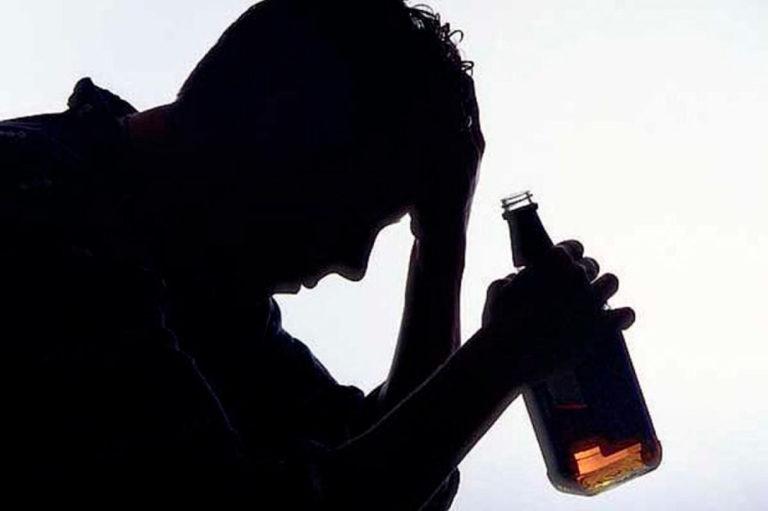 Alcoholismo y depresión: razones para no combinar alcohol con antidepresivos.